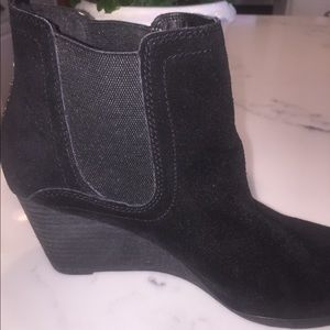 Lucky brand booties size 9